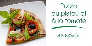 Pizza au pistou et tomates au basilic